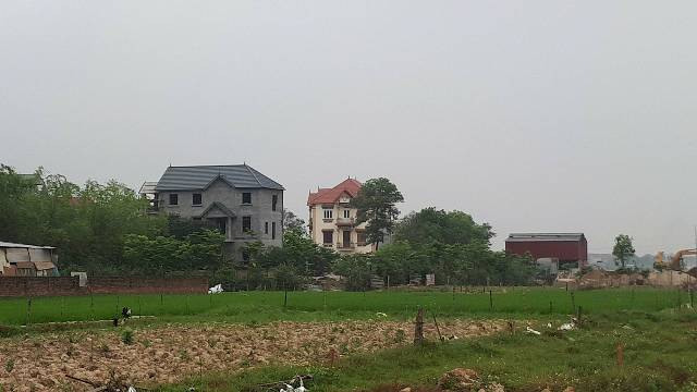Cắm mốc ranh giới trên thực địa trụ sở đóng quân Đội tuần tra kiểm soát giao thông tại thị trấn Yên Viên, huyện Gia Lâm và xã Thanh Xuân, huyện Sóc Sơn, TP Hà Nội