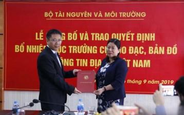Trao Quyết định bổ nhiệm Cục trưởng Cục Đo đạc, Bản đồ và Thông tin địa lý Việt Nam